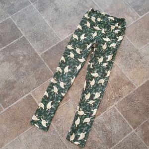 LuLaRoe girl's size L/XL Christmas leggings